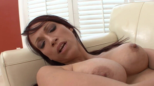 Young lesbo Nikki Hunter kissing each other