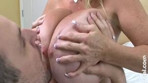 Big boobs and Annabelle Flowers finds dick to fuck