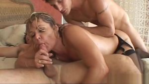 Cougar Kelly Leigh double penetration