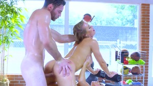 Sex together with busty Abigail Mac among Nicole Aniston
