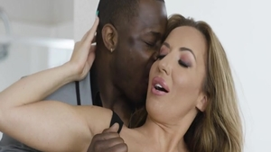 Big ass blonde Richelle Ryan feels up to nailing