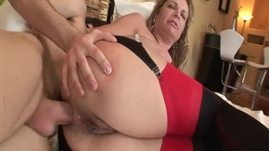Young european MILF Kelly Leigh feels up to loud sex