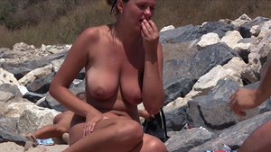Shaved mature voyeur pussy eating at the beach HD