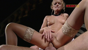 European stepmom Vanessa Mae needs rough nailing