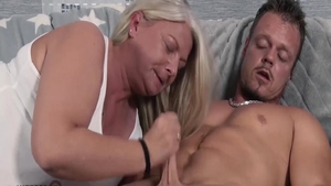 Big ass european housewife hard orgasm