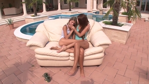 Perfect lesbo Gina Gerson desires sex HD