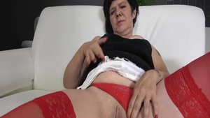 Young babe hard dick sucking threesome in HD