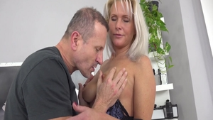 Babe Kathy Anderson blowjobs at castings
