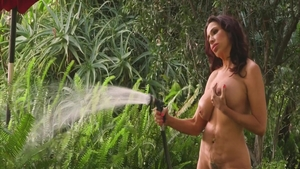 Shaved MILF Lisa Marie has a passion for fingering