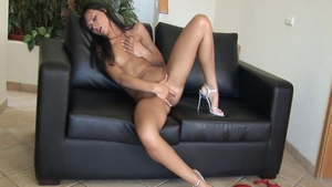 Young hawt babe first time masturbating