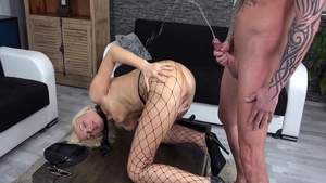 Very sexy Vanessa Hell squirts