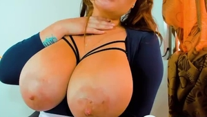 Big boobs amateur finds dick to fuck live on webcam