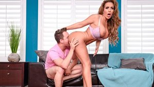 Huge tits MILF Richelle Ryan helps with hard ramming