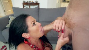 Stepmom Veronica Avluv rough double penetration in the bed
