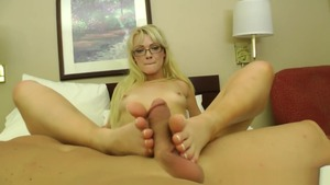 Teen Zoey Paige foot fetish
