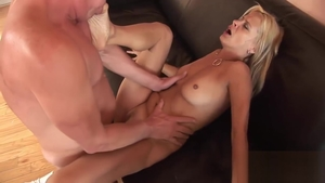 Stiff Payton Leigh getting a facial